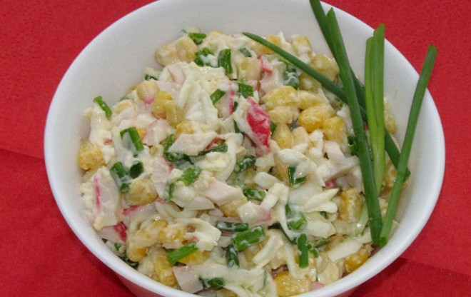 Салат крабовый с зеленым луком рецепт с