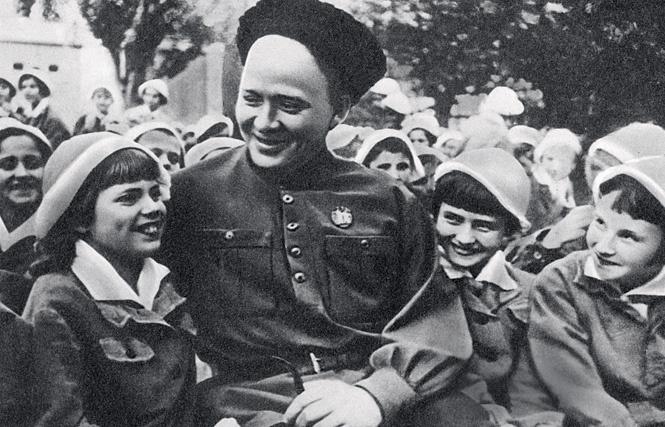Аркадий Гайдар: был ли он кровавым убийцей