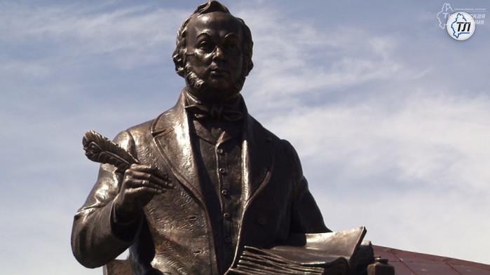 В Год литературы в России установили четыре памятника писателям, один из них в Ишиме