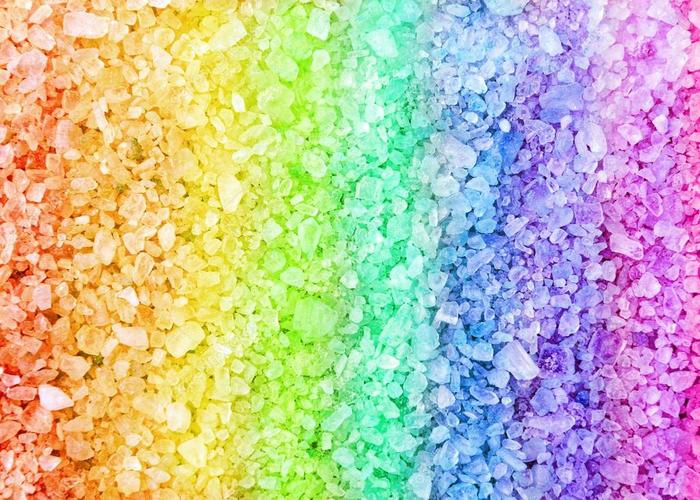 6031557_depositphotos_53750895stockphotorainbowspabathsaltcrystals (700x500, 93Kb)