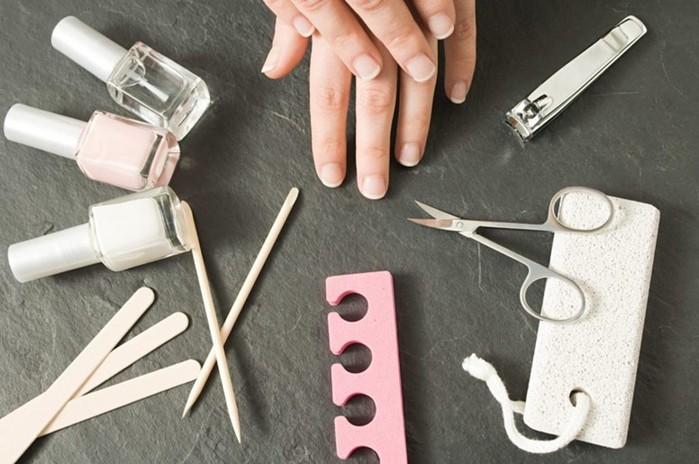 Как сделать французский маникюр в домашних условиях