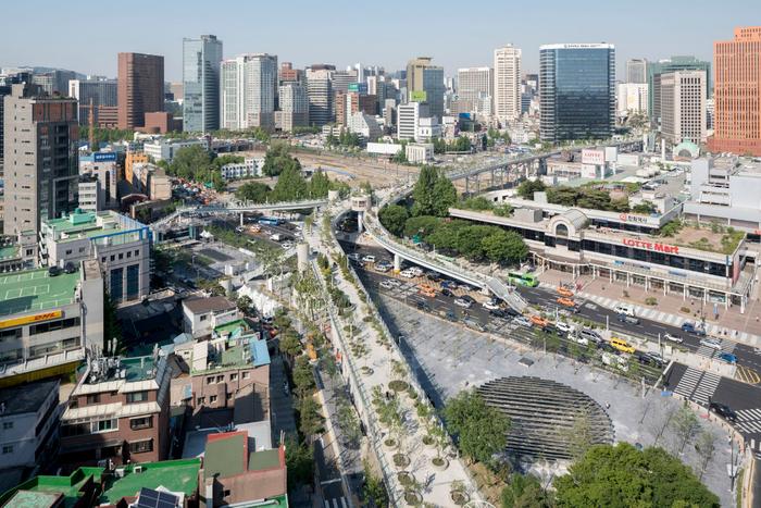 подвесный зеленый парк сеул Seoullo 7017 skygarden 1 (700x467, 476Kb)