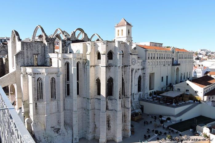 Лиссабон со смотровой площадки подъемника Санта Жушта