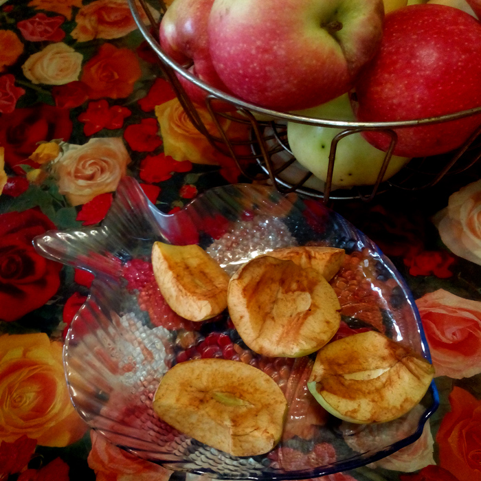 яблоки ржавеют/683232_jelezo (700x700, 294Kb)