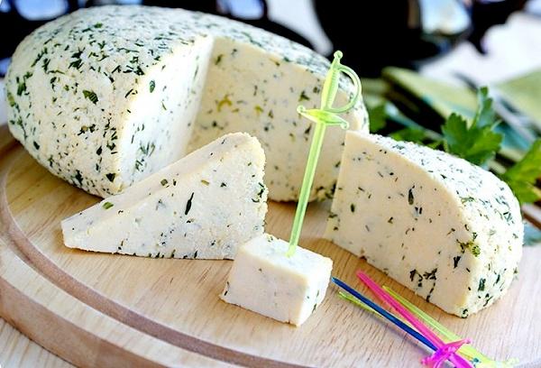Домашний сыр с зеленью/3290568_903 (600x408, 100Kb)