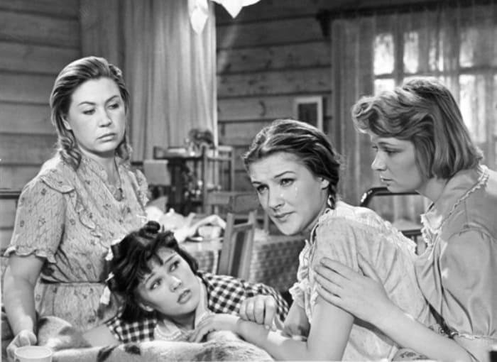 Как сложились судьбы «Девчат»: Актрисы легендарного фильма на экране и за кадром