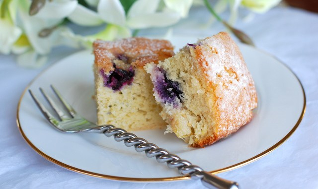 sponge-cake-with-berries-21 (640x381, 212Kb)