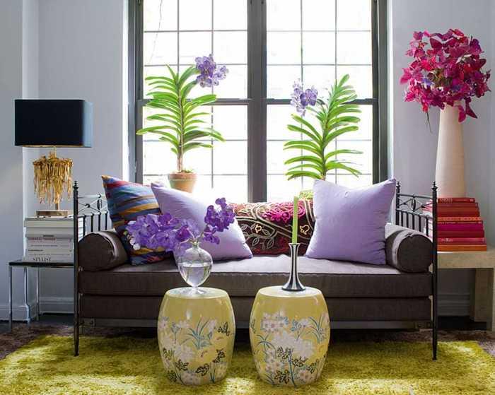 iskusstvennye-cvety-v-dekore-balkona (700x559, 44Kb)