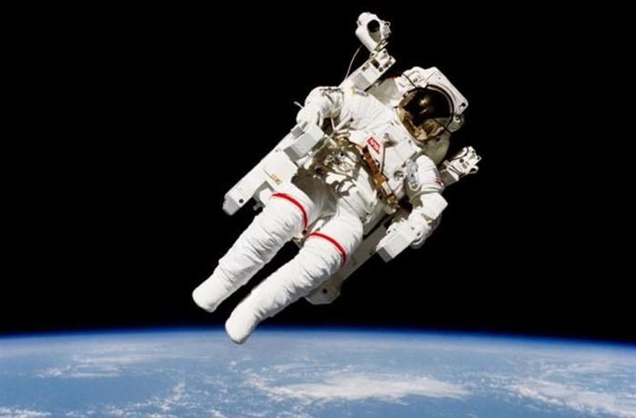 Выход в открытый космос— фото и видео