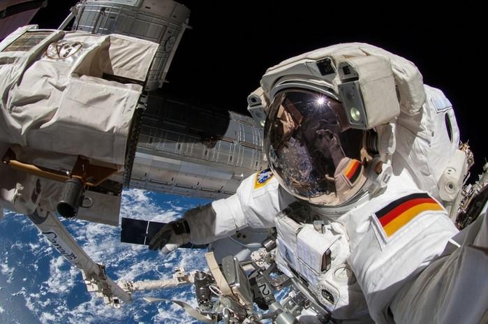 Выход в открытый космос - фото и видео