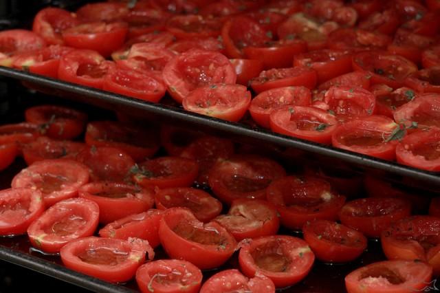 Как в домашних условиях приготовить вяленые помидоры