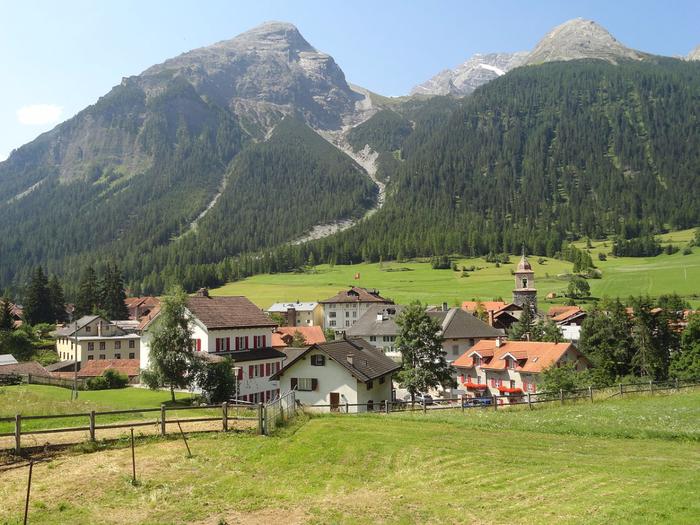 швейцарская коммуна Бергюн Бравуонь 9 (700x525, 463Kb)