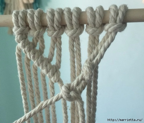 Плетение декоративного панно в технике макраме (7) (495x424, 115Kb)