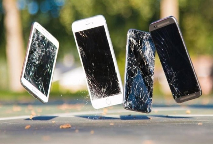 В каких случаях нужна замена стекла iPhone 6 Plus