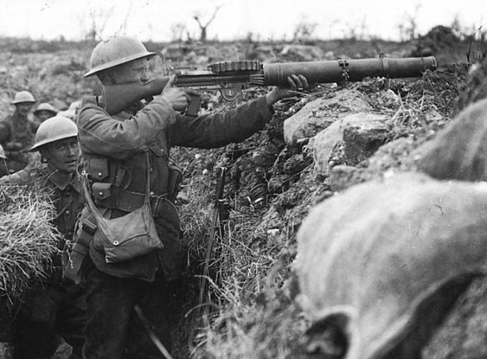 Історія розвитку озброєння від давнини до наших днів