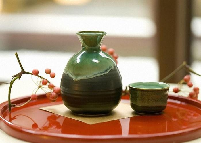Как правильно пить саке: несколько практических советов и история напитка