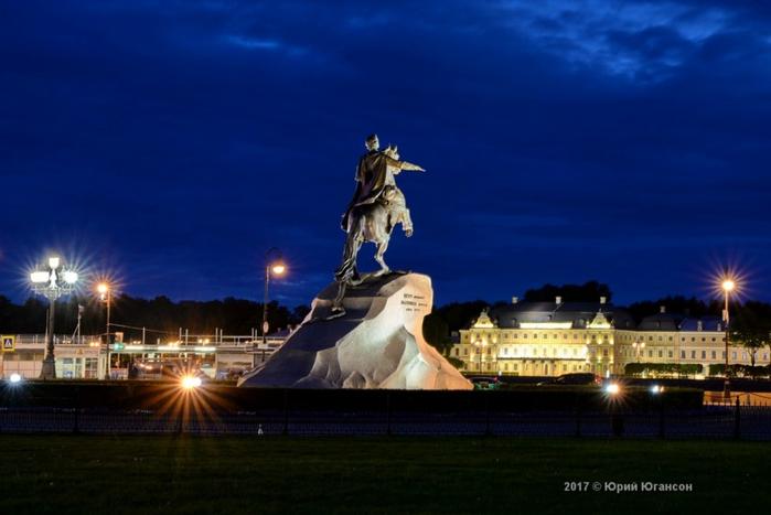 The-Night-Lights-Of-Petersburg-01 (700x467, 250Kb)