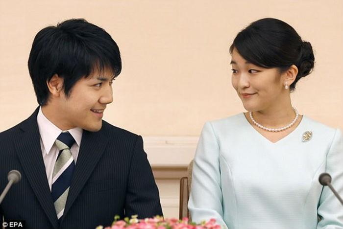 Японская принцесса отказалась от титула ради любви