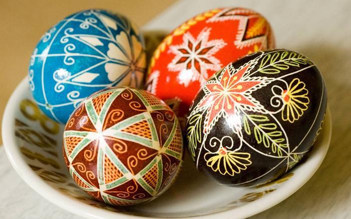 Писанка (розмальоване яйце)