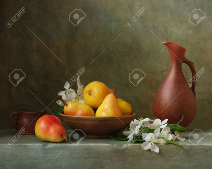 20274905-Still-life-with-pears-in-a-bowl-Stock-Photo (700x556, 48Kb)