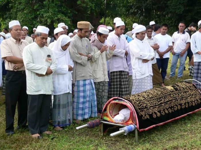 Почему мусульмане должны похоронить умерших до заката