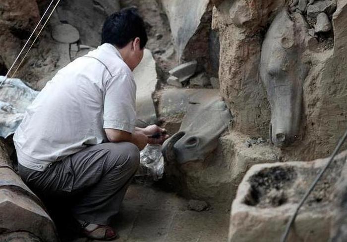 Как 2000-летние воины китайского императора были побеждены плесенью