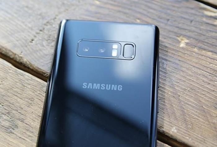 Samsung Galaxy Note8: «Убийца iPhone» оказался лопатой со стилусом