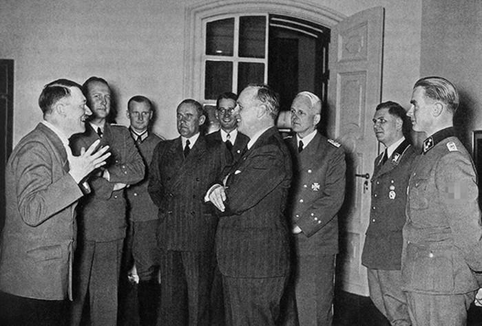 Рисковал ли Сталин, подружившись с Гитлером