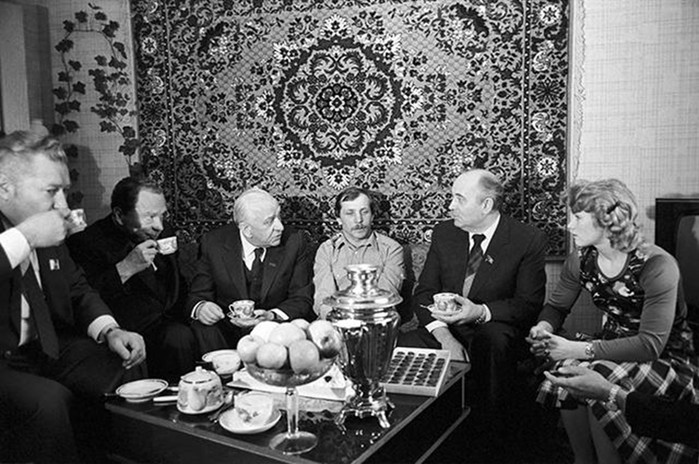 Какой экономический урон СССР нанес сухой закон Михаила Горбачева