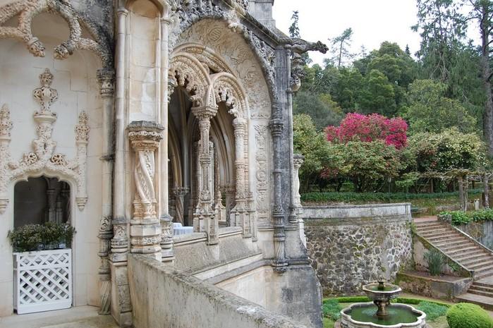 Дворец Буссако в Португалии