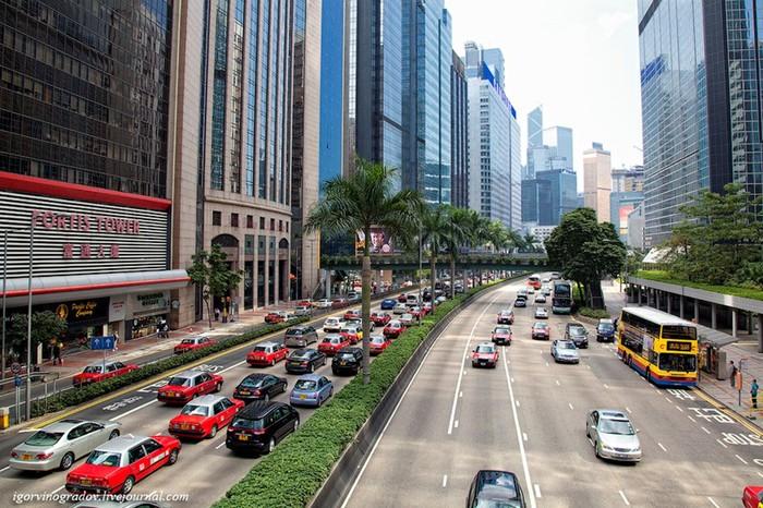 155 лет Гонконг оставался британской колонией…