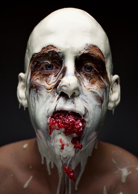 Фотограф и повар сделали серию портретов с разлетающейся едой