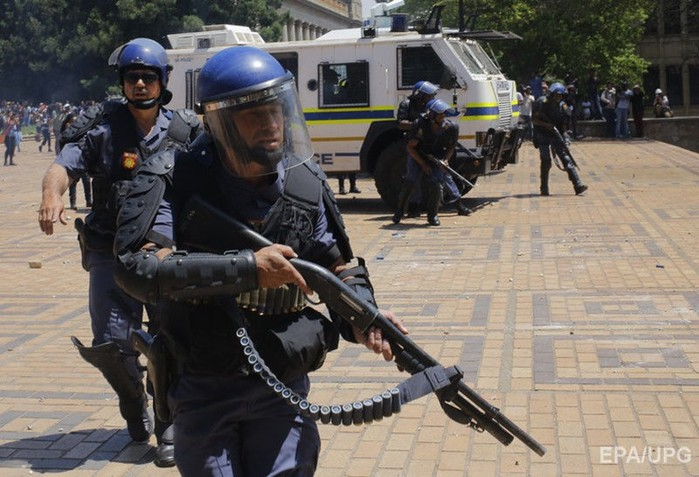 Полиция ЮАР застрелила каннибала, пожиравшего обезглавленную женщину