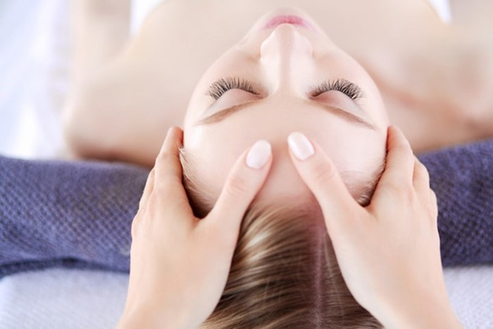 Types of facial massage: which one is right for you