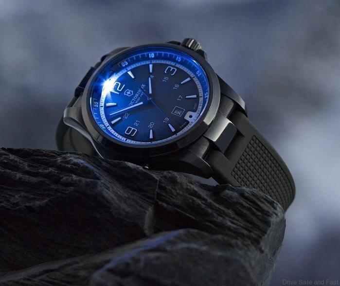 часы swiss army официальный чем никто