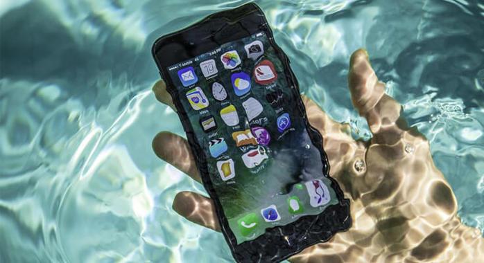 chto-delat-esli-telefon-upal-v-vodu (700x380, 52Kb)