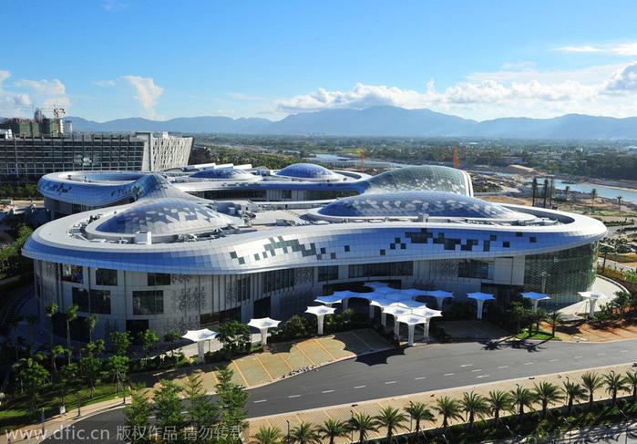 самый большой в мире магазин дьюти фри 1 (700x487, 429Kb)