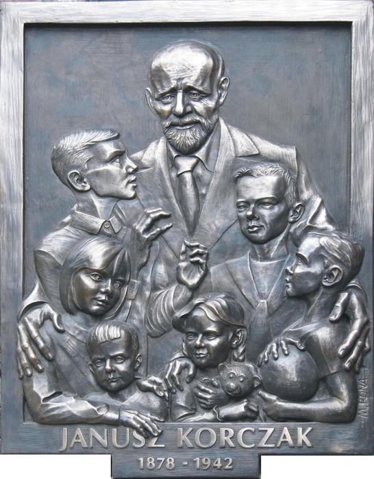Korczak-Relief (546x700, 446Kb)
