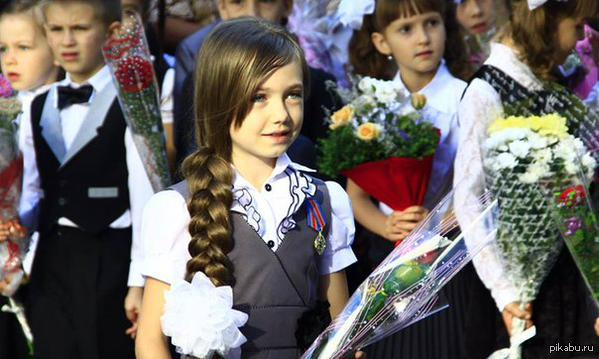 3925311_Malenkaya_geroinya_DNR_na_lineike_1_sentyabrya (599x359, 43Kb)
