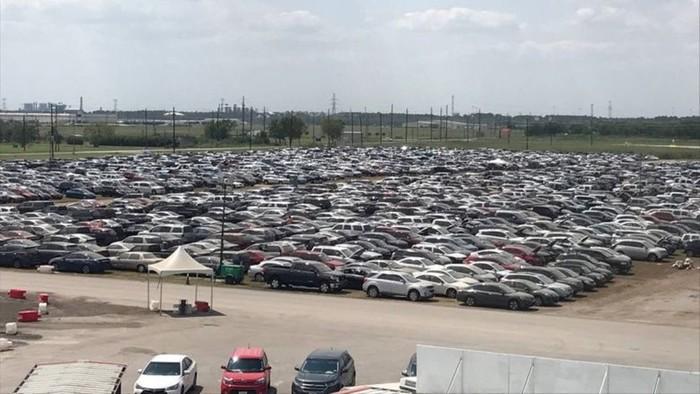 Что происходит в США с автомобилями, пострадавшими от урагана «Харви»