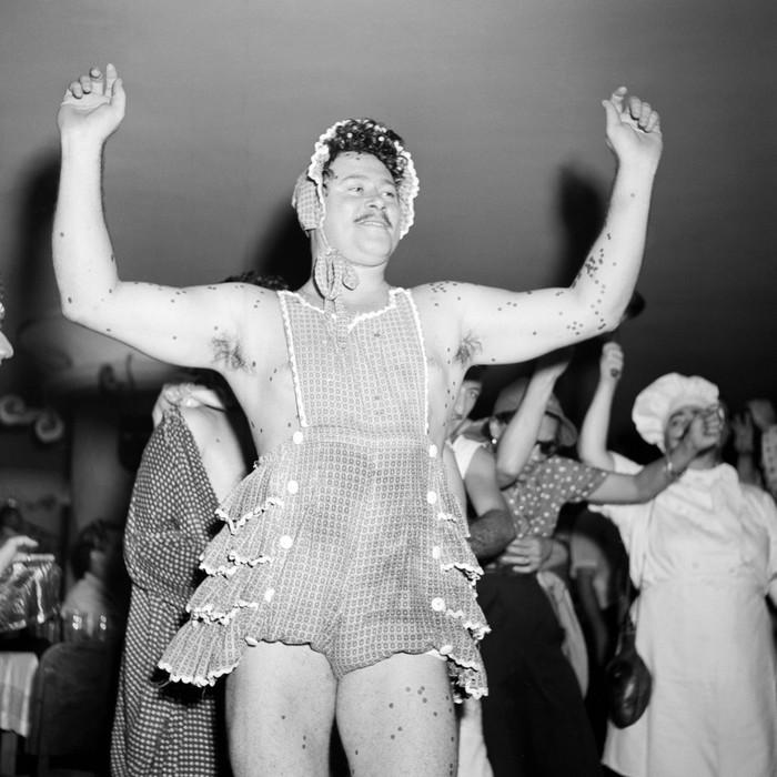 Как отрывались туристы и жители Рио де Жанейро на карнавале в 1953 году