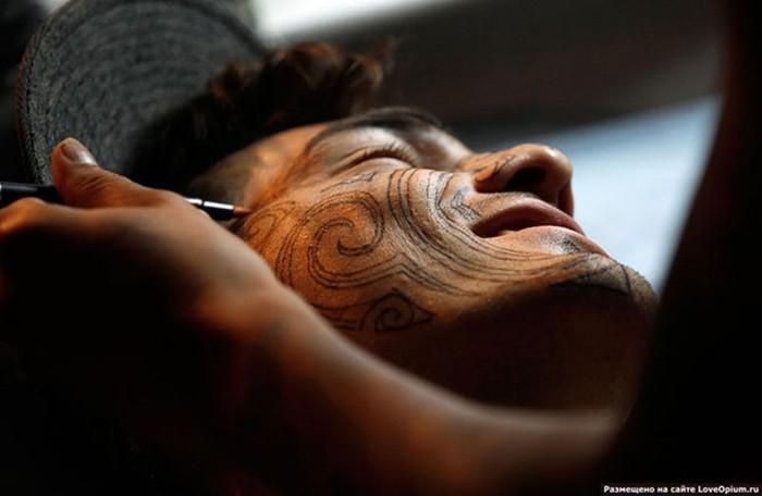 Люди делали татуировки на протяжении тысячелетий...