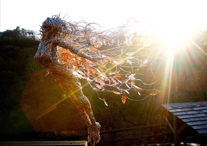 137809394 101817 1407 11 Изящные проволочные скульптуры британца Робина Уайта