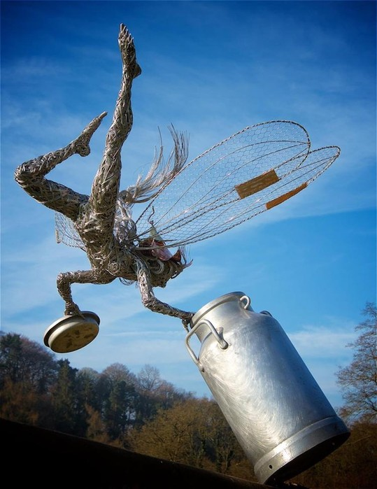 137809402 101817 1407 16 Изящные проволочные скульптуры британца Робина Уайта