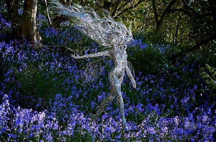 137809404 101817 1407 18 Изящные проволочные скульптуры британца Робина Уайта