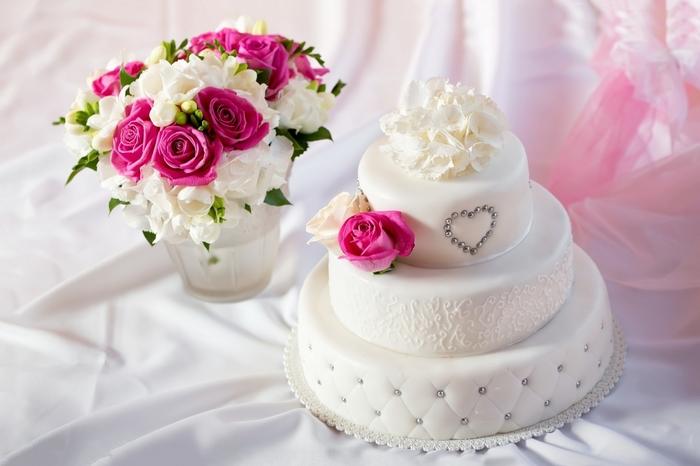 "alt=""Красивые свадебные торты и сладости на свадьбу""/2835299_Krasivie_svadebnie_torti_i_sladosti_na_svadby17 (700x466, 179Kb)"