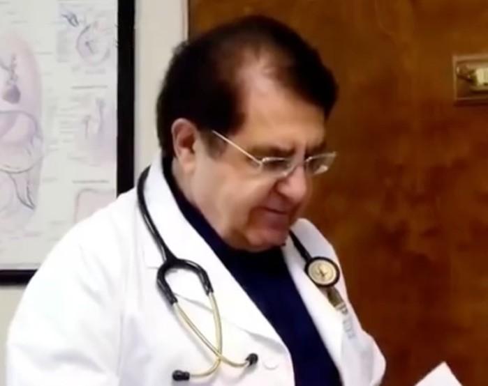 Этой толстушке врач отказался делать операцию. Через год она сама изменилась до неузнаваемости!