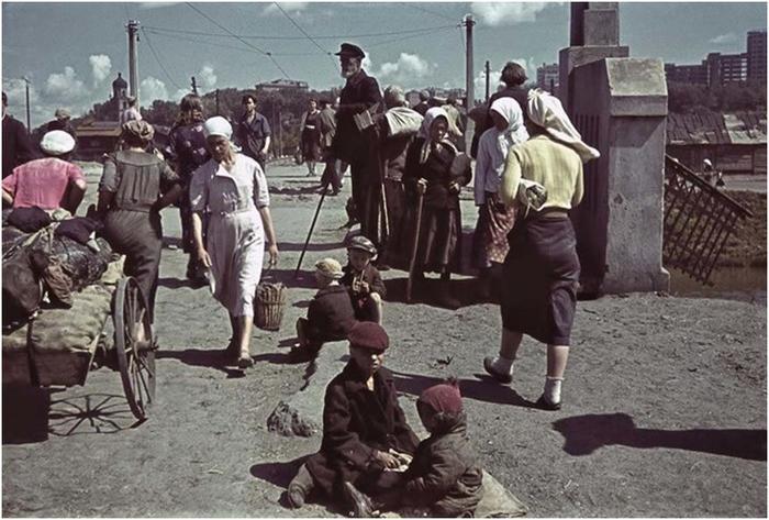 Фотографии оккупированного Харькова, сделанные немецким корреспондентом в 1941—1942 годах