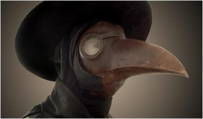 Почему врачи во время бубонной чумы носили костюм с маской клювом