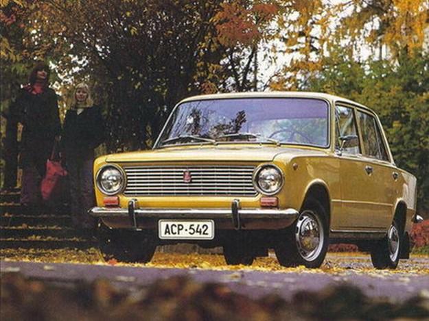Все легендарные автомобили Советского Союза